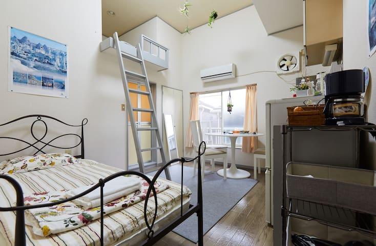 3 Clean Compact Studio Apts + LOFT near Shinjuku!