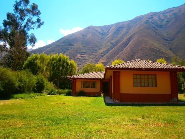 Casa de campo en el Valle Sagrado Cusco - Urubamba - Hus