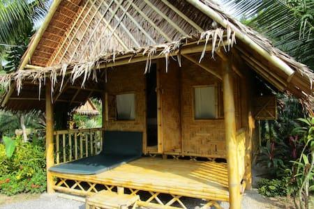the Garden Khaolak Bamboo Bungalow garden view - Takua Pa District - Nature lodge