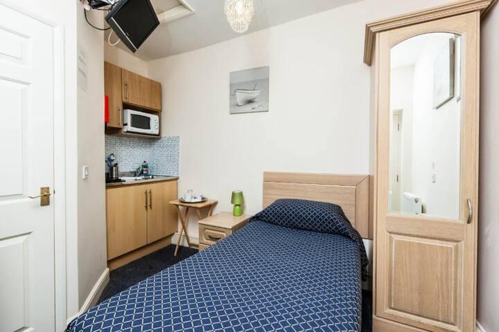 Single Room, Luton Hotel Residence