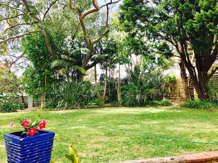 Nice Home with Large Backyard close to transpor