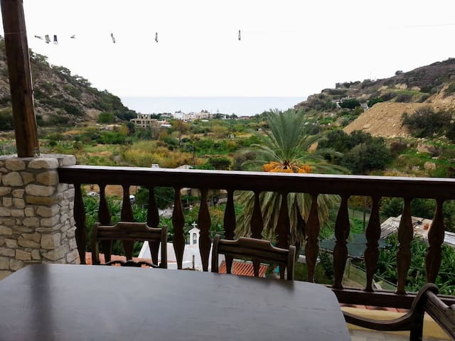 Tertsa Panorama 2, quiet home with amazing views