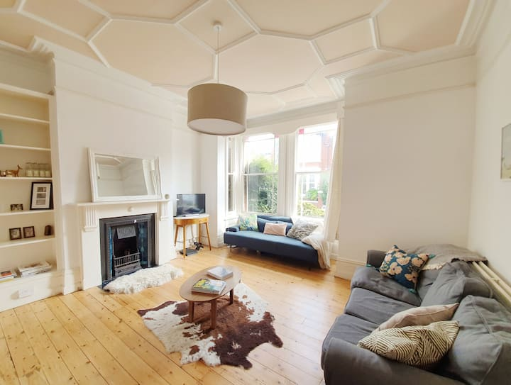 Charming spacious house in Brighton