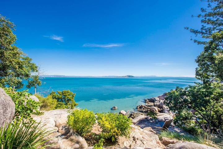 'Headland Hideaway' Luxury Villa, Magnetic Island