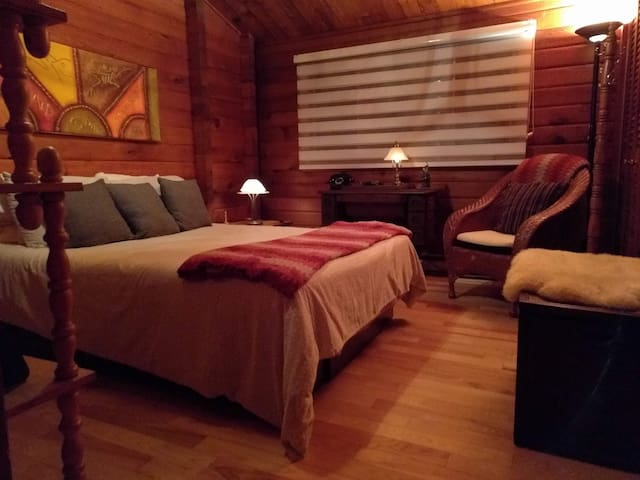 Chambres Oka, lit double, bord  lac Deux-Montagnes