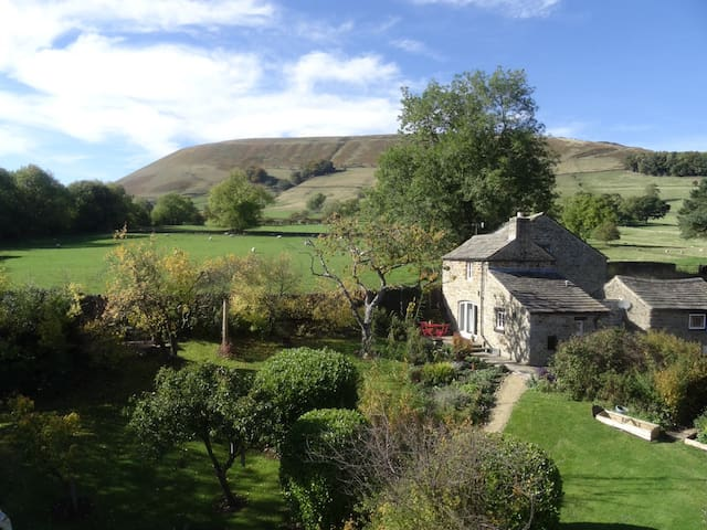 Goose Croft - tucked away in Edale