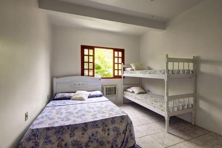 Dormitório 3, no piso térreo para 4 hóspedes