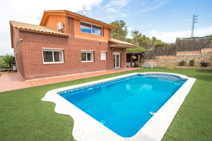 Catalunya Casas: Cozy Masia Astral with amazing mountain views!