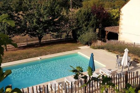 Farmhouse Villa, Private Pool, Garden, 4G, 3.5Ha