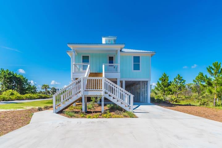 Cool NEW Beach HOME-Steps 2 SEA & POOL-Morgantown