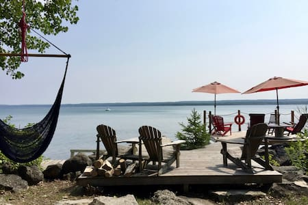 Balmy Breezes - Waterfront Cottage