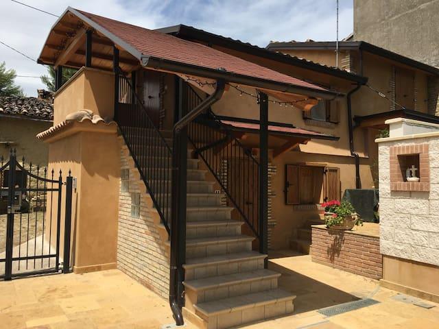 Casa vacanze per gruppi e famiglie - Giancoli - Dům