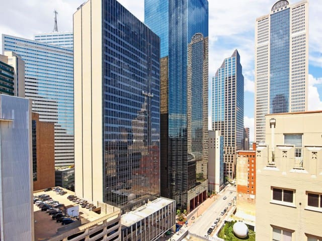 Luxury highrise 2bedrooms +Free Parking @Downtown - Dallas - Apartment