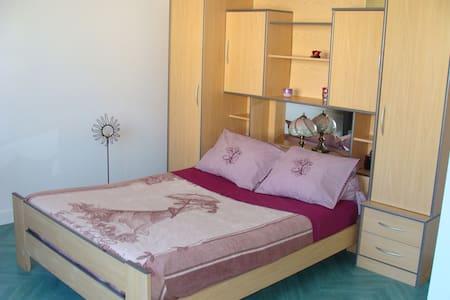 Chambre avec jardin 6 min du centre - Millau