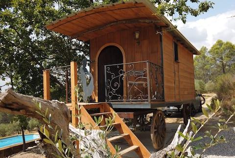 Une roulotte en Provence