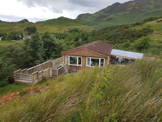 Arnewood, 2 bedroom chalet on the hill