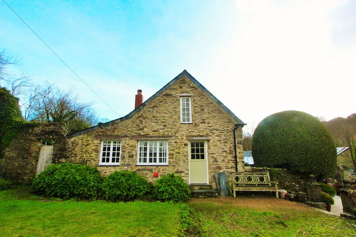 Jackdaw: A Two Bed Cottage In A Tranquil Setting - Cornwall - Huis