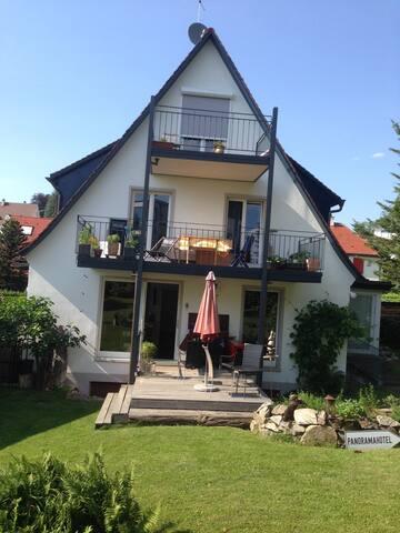 Gemütliche 2-Zimmer-DG-Wohnung mit Balkon