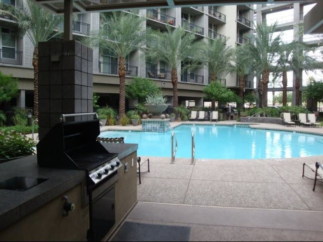 Modern Downtown Phoenix Apartment
