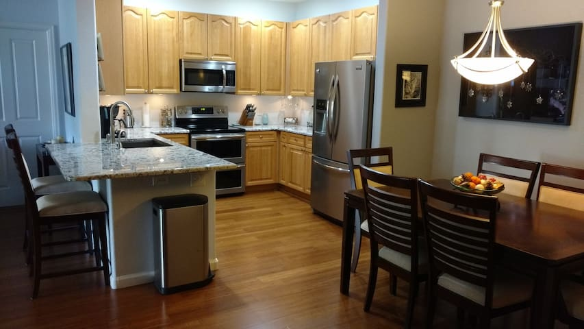 Great value in our cozy clean condo - Littleton - Ortak mülk