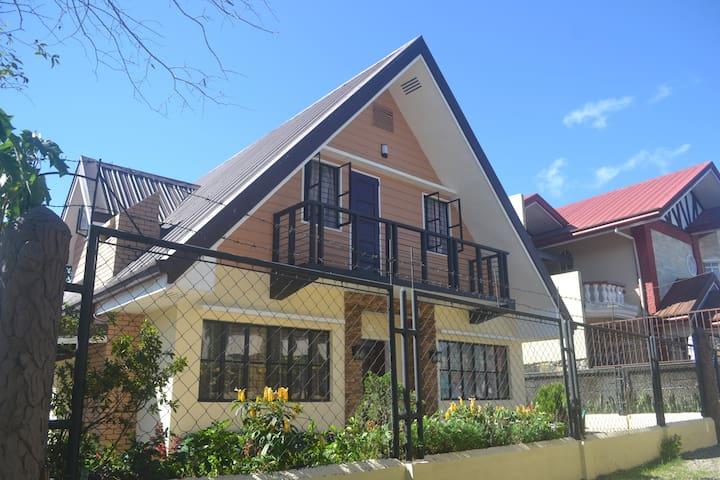 3BR A-HOUSE - Baguio - Hus