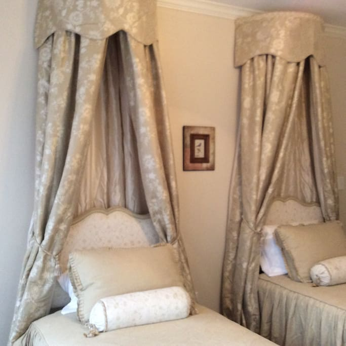 Twin Single antique beds