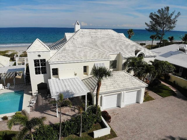 Beachfront, with Heated Pool, Best Location