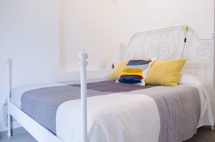 Civico10_ InternoB - Napoli - Bed & Breakfast