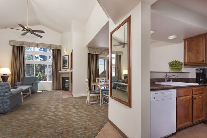 Cozy Club Wyndham South Shore, 1 Bedroom Deluxe