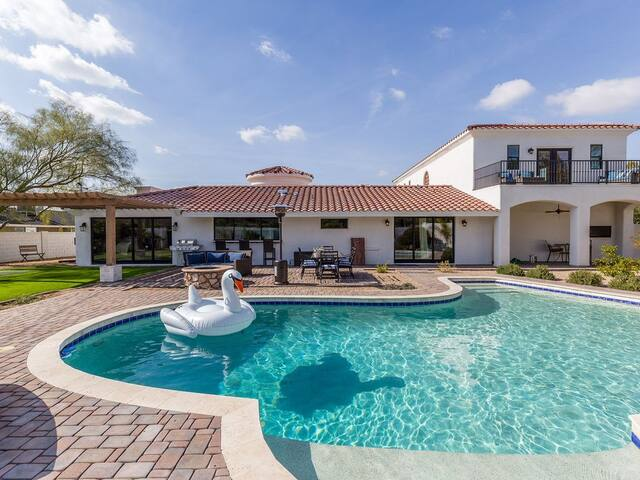 NEW 7BED/5.5BATH ESTATE - 5 MIN TO OLD TOWN!