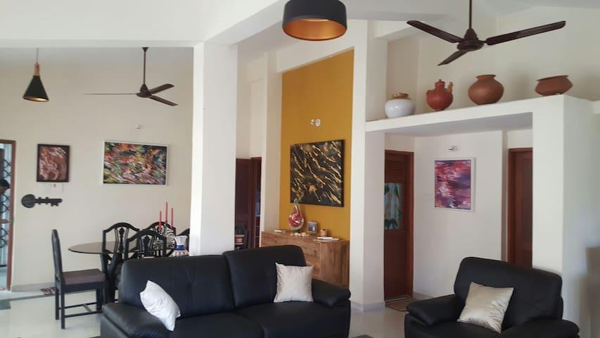 Cozy Apartment @ MIRAMAR BEACH, Goa - India - Panjim - Leilighet
