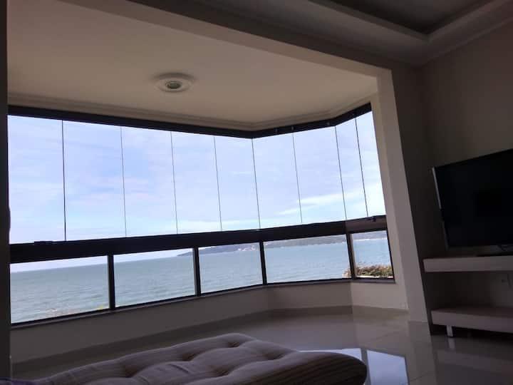 Apartamento com vista para MAR e ótima localização