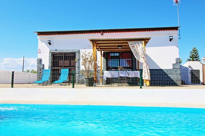 Lovely and quiet. Villa el Omijo,