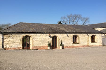 Lovely Stone  Barn Conversion Near Lincoln - Ashby de la Launde - Andere