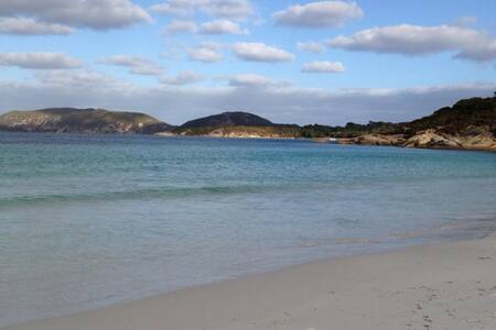 Goode Beach Retreat - Goode Beach