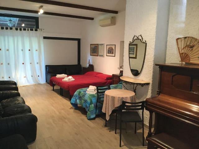 Camera in Antica Corte Milanese