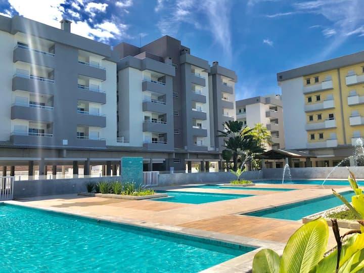 Ap. Ubatuba - Passaredo - piscina, ar condicionado