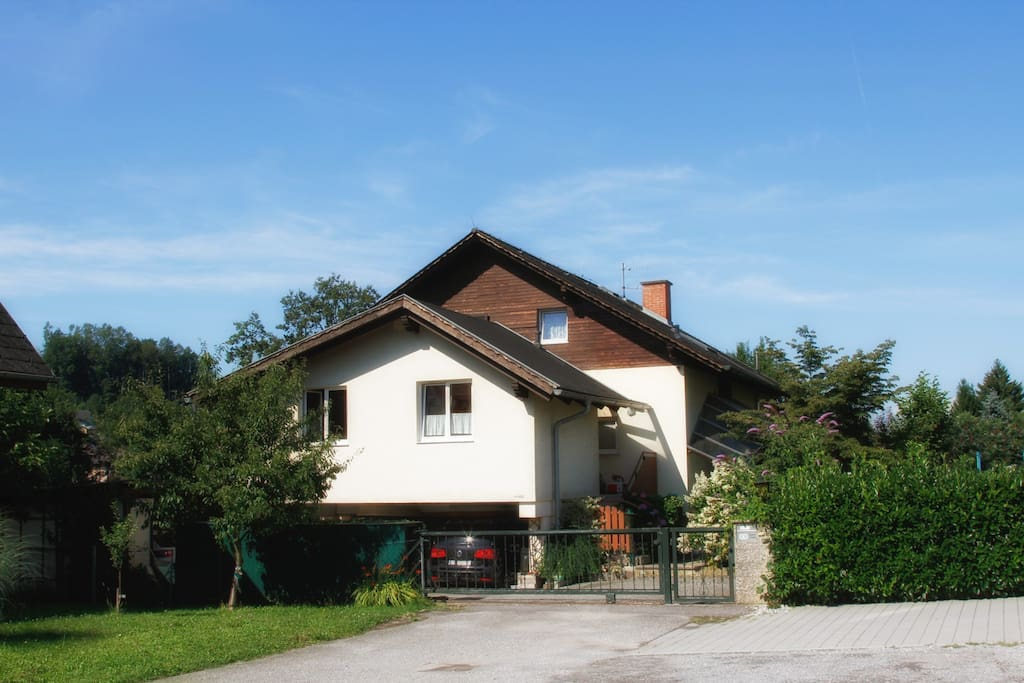 House in quiet area / Haus in ruhiger Lage