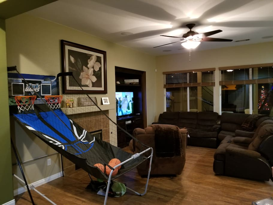 Living room/Entry with Indoor Basketball