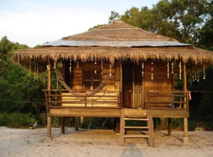 Big Beach Front Bungalow with private bathroom