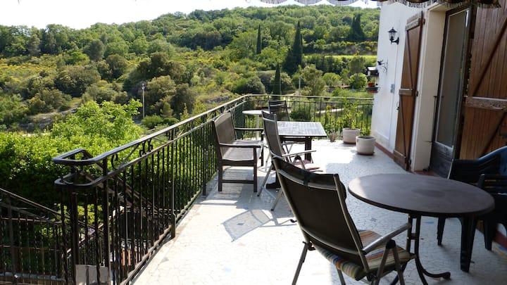 Villa sur terrain arboré à Bourg St Andéol