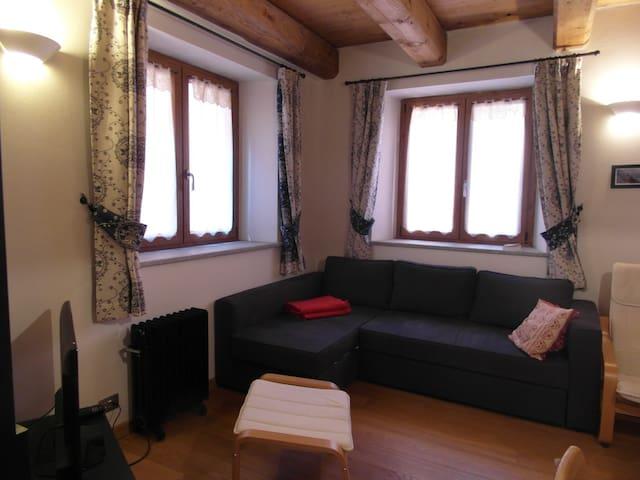 Elegante bilocale a Cesana Torinese - Cesana Torinese - Casa de férias
