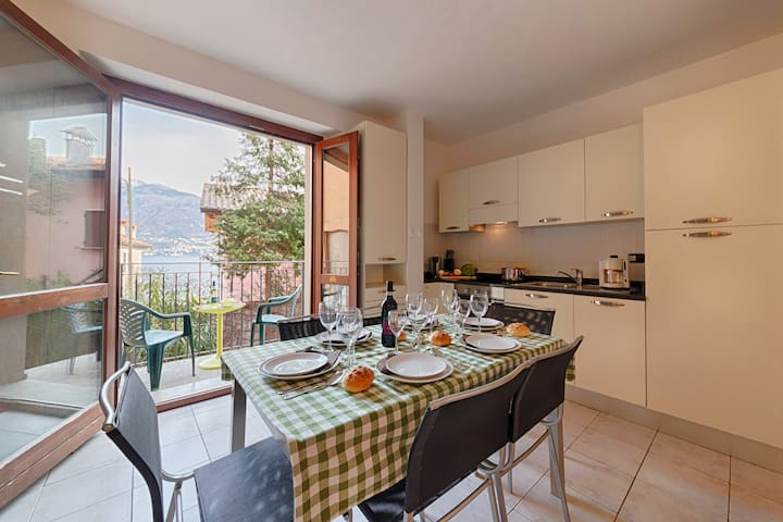 New: 3 bedroom apartment on lake Como Italy