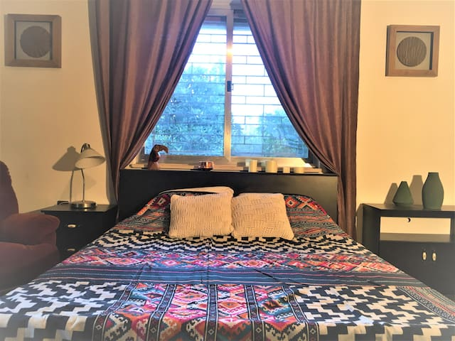 Private room (King size Bed) - Ramallah Downtown