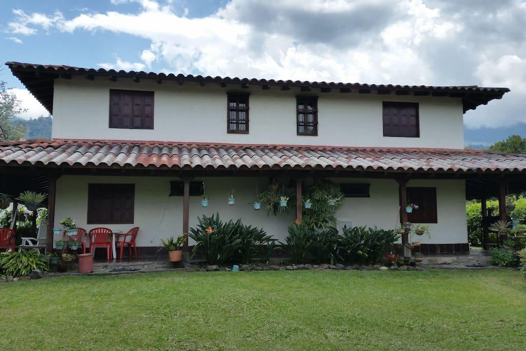 Casas Familiares