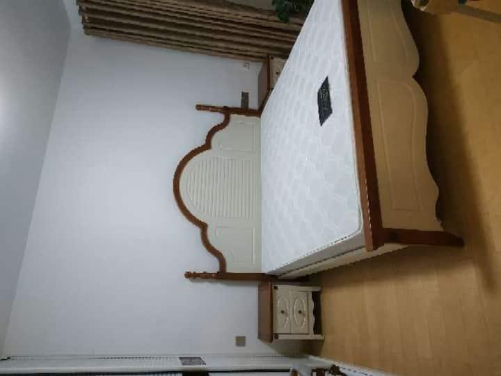 东湖风景区华侨城双子座两室二厅高层湖景房