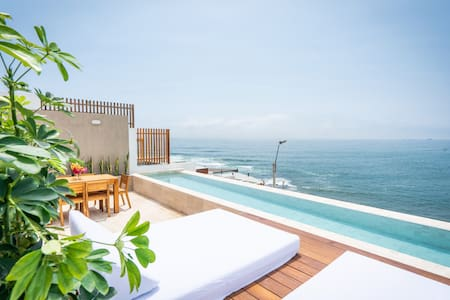 Stunning Ocean View House, Surfers Paradise,
