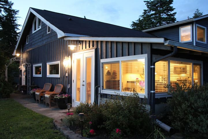 Camano Carriage House