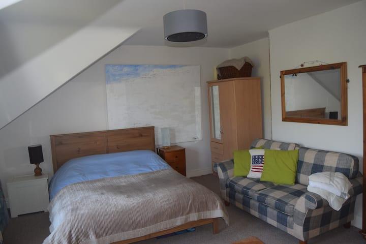 Victorian house - Sleeps 5/6 by beach in Bangor