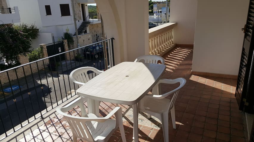 Ideally located for a beach and city holiday